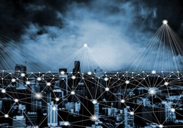 در یک شبکه توزیع شده در واقع هزاران سند و شاهد برای اطلاعات ثبت شده در آن وجود دارد. | همتاپی
