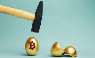 بیتکوین (Bitcoin) برای سقوطی عظیم و ویرانگر آماده میشود | همتاپی