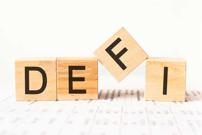 آشنایی با سیستم مالی غیرمتمرکز (دیفای) و کاربردهای آن | همتاپی