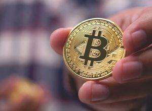 کمبود بیت کوین در بازار چه مزایایی برای سرمایهگذاران رمزارز دارد؟   همتاپی