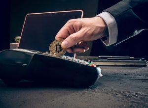 چه چیزهایی را میتوان با ارز دیجیتال بیت کوین خرید کرد؟ | همتاپی
