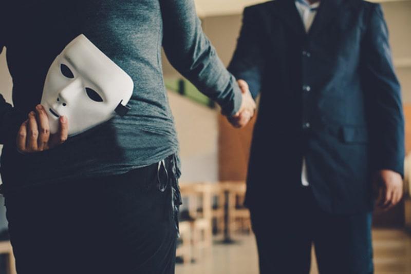 حملات مهندسی اجتماعی و نحوه جلوگیری از آنها | همتاپی