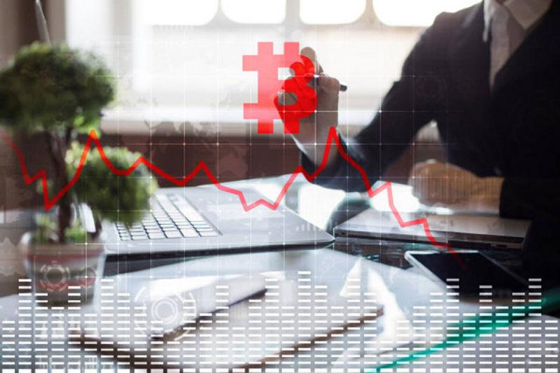 امکان سقوط قیمت بیت کوین به 12- 15 هزار دلار، در صورت ورود به بازار خرسی   همتاپی