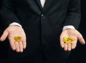 کاهش 9 درصدی قیمت طلا در برابر افزایش 50 درصدی قیمت بیت کوین | همتاپی