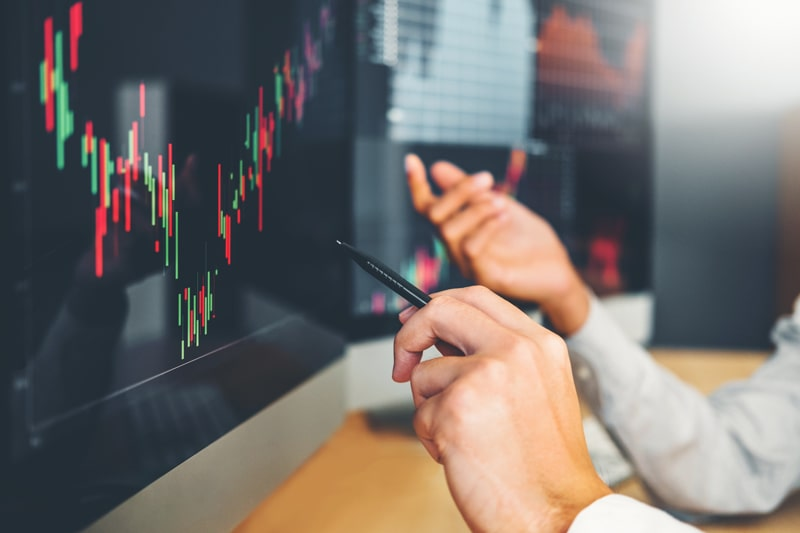 بررسی تفاوتها و استراتژیها در معاملات روزانه و معاملات روند ارزهای دیجیتال | همتاپی