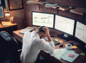چطور احساسات خود را هنگام خرید و فروش ارزهای دیجیتال کنترل کنیم؟ | همتاپی
