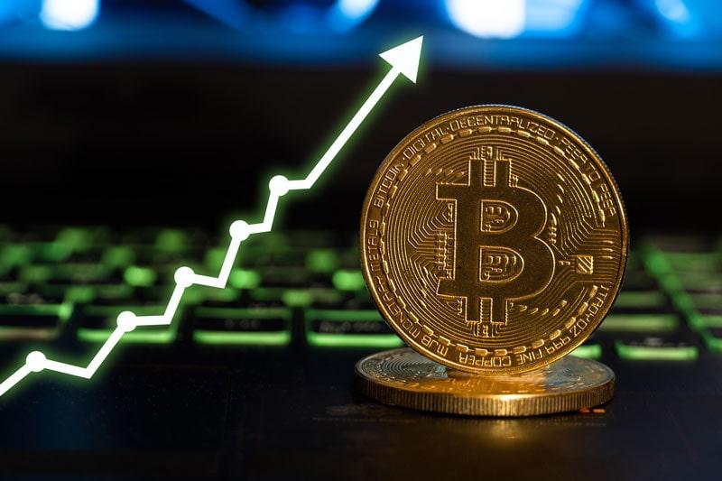 تحلیلگر ارشد بلومبرگ: قیمت بیت کوین امسال به 100 هزار دلار خواهد رسید   همتاپی