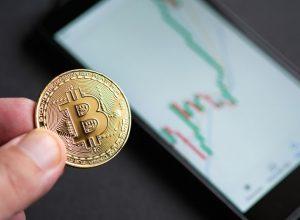 احتیاط معاملهگران بازارهای آتی علیرغم افزایش 25% قیمت بیت کوین