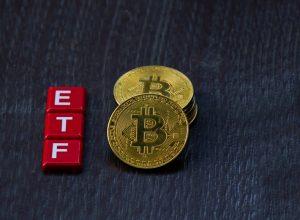 چرا بنیانگذار ARK، وارد معاملات آتی صندوق قابل معامله (ETF) بیت کوین نمیشود؟ | همتاپی